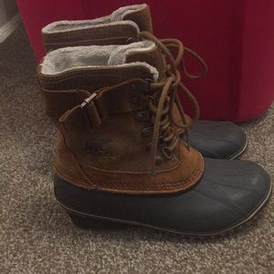 Sorel brown suede lace up boots with heel